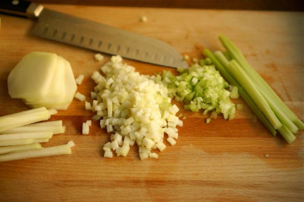 סלט קולרבי, סלק וחמוציות, גבישס - בלוג האוכל של מירב גביש