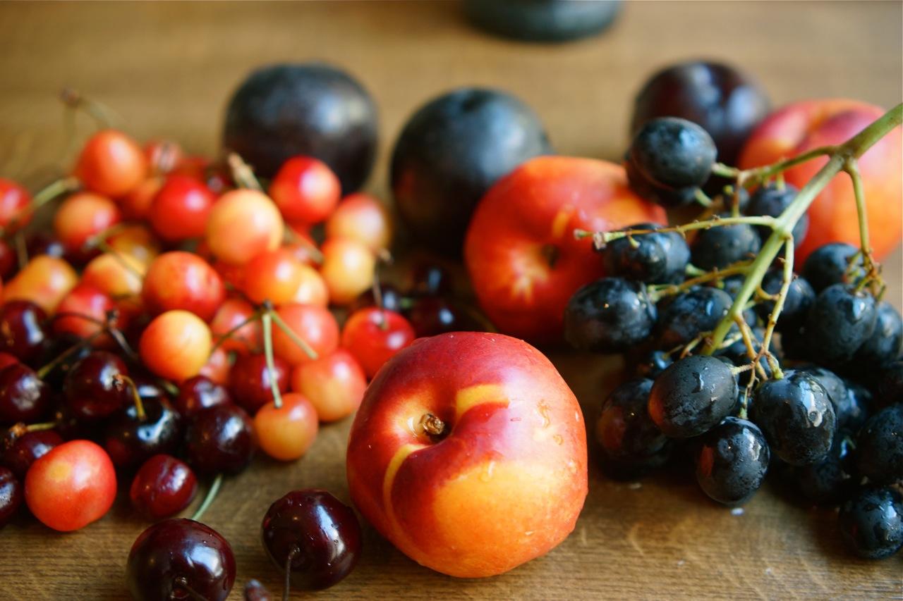 סלט של פירות אדומים, גבישס - בלוג האוכל של מירב גביש