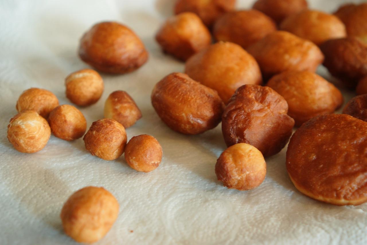סופגניות מטוגנות ״כמו של פעם״, גבישס, בלוג האוכל של מירב גביש.