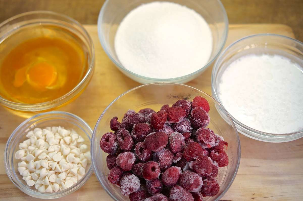 מאפין פירות יער ושוקולד לבן - גבישס, בלוג האוכל של מירב גביש