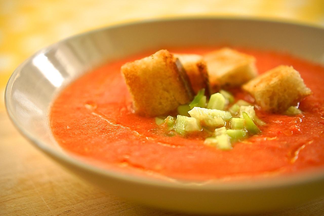 גספצ'ו, מרק עגבניות קר - גבישס, בלוג האוכל של מירב גביש