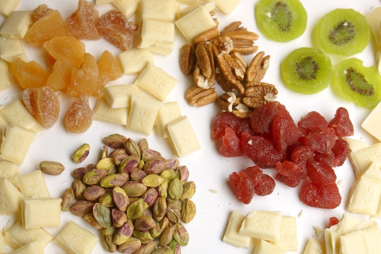 פאדג' שוקולד לבן ופירות יבשים, גבישס בלוג האוכל של מירב גביש